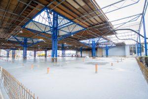 Verbouwing van het Karregat. Nieuwe vloer. Reportage van de verbouwing van het commerciële gedeelte in het wijkgebouw 't Karregat in de wijk Geestenberg, Tongelre Eindhoven