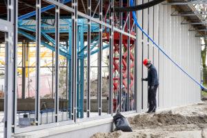 Verbouwing van het Karregat. Opbouw week 8. Afgelopen week zijn de eerste kozijnen geplaatst.